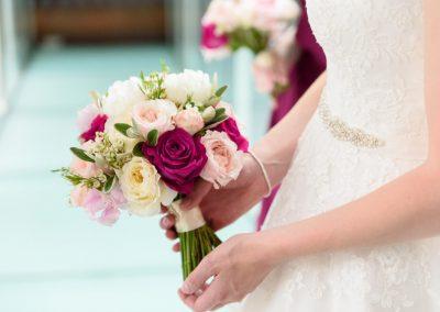 closeup-bride-holding-bouquet