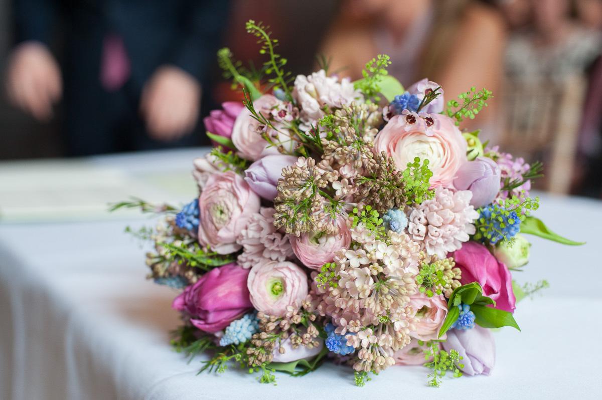 a bridal bouquet wedding details