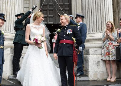 newlyweds-guard-of-honour-st-pauls-cathedral