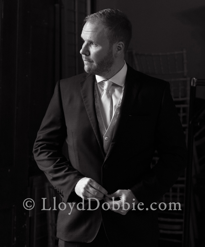 portrait of the groom for a wedding at nonsuch mansion